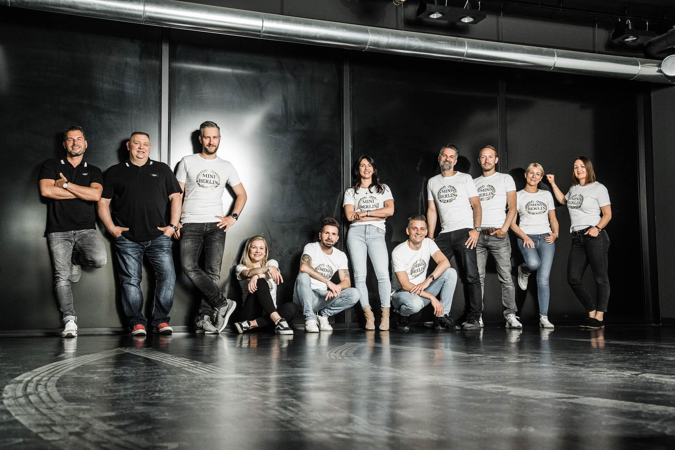 BMW-Mini-Teamfoto-Gruppenfoto-Businessfotos-Berlin-Annette-Koroll